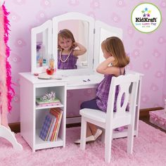 Holiday Gift Pick: Deluxe Vanity & Chair for the mini fashionista! #giftguide #toddler #toy