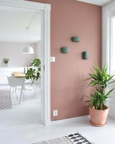 The most beautiful interiors with Dusty Pink walls. - Home Decor Ideas Paint Colors For Home, House Colors, Living Room Decor, Bedroom Decor, Bedroom Shelves, Warm Bedroom, Dining Room, White Bedroom, Earthy Home Decor