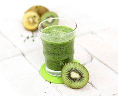 Kiwi Natural Juice Fresh Juice Recipes, Natural Juice, In The Flesh, Healthy Smoothies, Vitamin C, Juices, Kiwi, Preserves, Protein