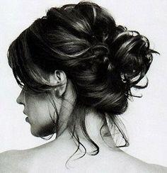 'Natural' fuss-free wedding hair