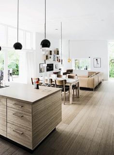 Nybygget villa: Lyst & lunt træhus - Boligliv Lighting and windows Home And Living, Home And Family, Estilo Interior, Interior Architecture, Interior Design, Futuristic Architecture, Kitchen Dining Living, Furniture Layout, Timber Furniture