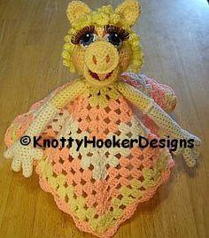 Crochet Blankets Design Knotty Hooker Designs: Miss Piggy Lovey Blankie Crochet Security Blanket, Crochet Baby Blanket Beginner, Crochet Lovey, Lovey Blanket, Crochet Quilt, Manta Crochet, Crochet Bebe, Crochet Blanket Patterns, Crochet Dolls