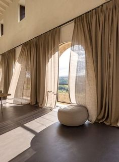 Interior Design For Living Room Home Interior Design, Interior Architecture, Interior And Exterior, Interior Decorating, Interior Design Curtains, Interior Sketch, Diy Decorating, Design Living Room, Living Room Decor