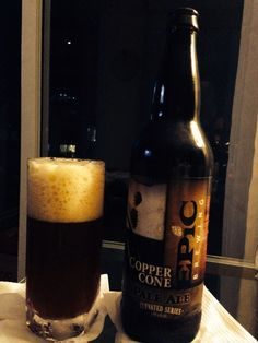 Cerveja Copper Cone Pale Ale, estilo American Pale Ale, produzida por Epic Brewing, Estados Unidos. 6.7% ABV de álcool.