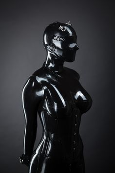 Portrait of an anonymous rubber doll.