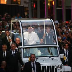 ,#PopeFrancis smiled and waved as the #popemobile headed for @stpatrickscathedral this evening during a short procession down #FifthAvenue.