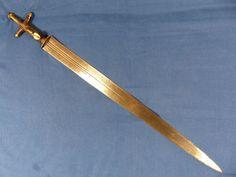 19th century Tuareg nomad Islamic short sword named Telek (sabre knife dagger)