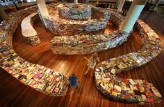 Children play in the 'aMAZEme' labyrinth made from books at The Southbank Centre on July 2012 in London, England. Brazilian artists Marcos Saboya and Gualter Pupo used books to create the maze which will be on display until August Norfolk, Good Books, Books To Read, Pile Of Books, Web Design, Library Books, Free Library, Bibliophile, Installation Art