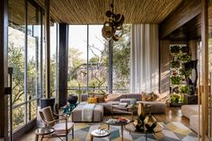 Living space at Singita Sweni Lodge, Kruger National Park, South Africa Wabi Sabi, Parc National Kruger, Deco Zen, Safari Decorations, Out Of Africa, Blog Deco, Lodges, Tanzania, Contemporary Design