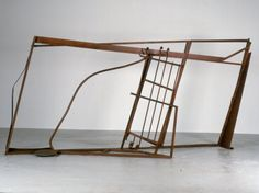 Anthony Caro - Barcelona Discovery (1987), Steel, rusted & varnished, 228.5 x 472.5 x 114.5cm, B1879 http://www.anthonycaro.org/Gallery-Pic.asp?WorkID=1879