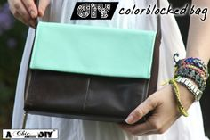 DIY Colorblock Bag A. How to Paint Leather with Acrylic Paint colorblocking is a hot trend for Fall seen on the runwa. Acrylic Craft Paint, Diy Painting, Diy Tote Bag, Diy Bags, Painting Leather, Leather Projects, Diy Accessories, Diy Fashion, Fashion Bags