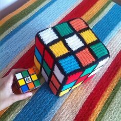 I would not have the patience to crochet all that, copying the cube, without solving the cube first lol