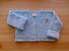 Hand knitted baby cardigan for months Baby Knitting Patterns, Knitting For Kids, Crochet Baby, Knit Crochet, Baby Dior, Bebe Baby, Knitted Baby Clothes, Baby Knits, Baby Cardigan