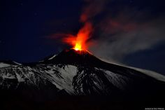 These Mount Etna Eruption Photos Will Remind You Of The Incredible Beauty And Force Of Nature