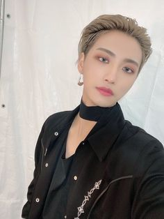ATEEZ(에이티즈) (@ATEEZofficial) / Twitter Woo Young, Pretty Men, Seong, Shawn Mendes, My Boyfriend, Chokers, Pearl Earrings, Handsome, Park