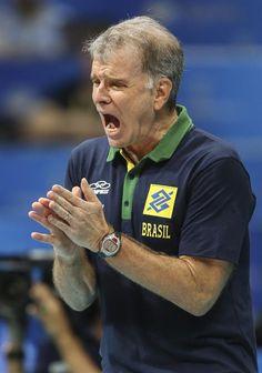 """Bernardinho vê desânimo no 4º set contra França: """"Time baixou a guarda"""" #globoesporte"""