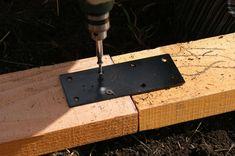 "(4) 2 × 6 - 16 ' (2) 2 × 6-12 ' (14) 2 × 4 - 12 ' (19) ¾ ""x 20'white tubo de pvc (9) 10 mmx 10 'de barras de refuerzo (1) rollo de plástico de 6mm 20'x50 ' (1) Paquete de 50 4 'torno de madera (o grapas opcional) Bridas Los clavos o tornillos Bandas de Metal Bisagras y manijas Building A Raised Garden, Pipes, Garden Tools, Bench Seat, Cob Building, Pvc Pipes, Greenhouse Gardening, Yard Tools, Pipes And Bongs"
