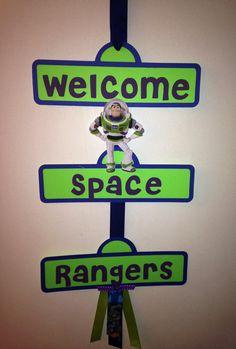 Buzz Lightyear fiesta signo por YourPartyShoppe en Etsy