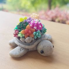 Arts And Crafts Style House Polymer Clay Turtle, Polymer Clay Kunst, Polymer Clay Animals, Polymer Clay Creations, Fimo Kawaii, Polymer Clay Kawaii, Polymer Clay Charms, Cute Crafts, Diy Crafts