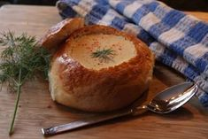 Panera's Cream Cheese Potato Soup Tried it. I think traditional potato soup(with diced potatoes, carrots, and celery) is better. Maybe try adding the spices & cream cheese from this recipe to the traditional 1 for a change. Soup Recipes, Cooking Recipes, Copycat Recipes, Kitchen Recipes, Potato Recipes, Cooking Ideas, Crockpot Recipes, Free Recipes, Chicken Recipes