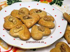 Tradičné orechové medovníky • Recept | svetvomne.sk Pancakes, Potatoes, Cookies, Vegetables, Breakfast, Desserts, Basket, Dios, Sheet Cakes