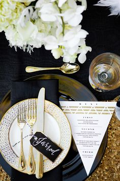 Inspiration Board: The Great Gatsby | Roaring 20s | Flapper | Glitz | Glamor | Art Deco | Feathers | Glitter | Gold | http://brideandbreakfast.hk/2016/08/23/inspiration-board-the-great-gatsby/