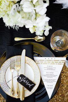 Inspiration Board: The Great Gatsby | Roaring 20s | Flapper | Glitz | Glamor | Art Deco | Feathers | Glitter | Gold | http://brideandbreakfast.hk/2016/08/23/inspiration-board-the-great-gatsby/