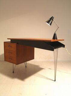 Pastoe deks Braakman Office Desk, Furniture, Design, Home Decor, Desk, Desk Office, Decoration Home, Room Decor