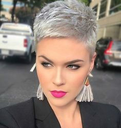 Today we have the most stylish 86 Cute Short Pixie Haircuts. We claim that you have never seen such elegant and eye-catching short hairstyles before. Pixie haircut, of course, offers a lot of options for the hair of the ladies'… Continue Reading → New Short Hairstyles, Short Pixie Haircuts, Short Hairstyles For Women, Trendy Haircuts, Hairstyle Short, Pixie Haircut Styles, Bob Hairstyles, Haircut Short, School Hairstyles