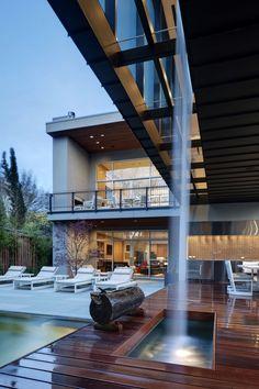 Sale Street Residence by Bernbaum Magadini Architects
