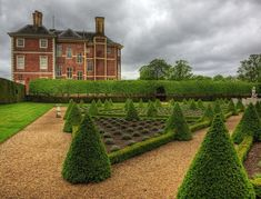 Ham House, Surrey - Rumoured to be one of the most haunted houses in Britain Royal Park London, Beautiful Buildings, Beautiful Places, Richmond Upon Thames, England Uk, Richmond England, Most Haunted, Country Estate, Surrey