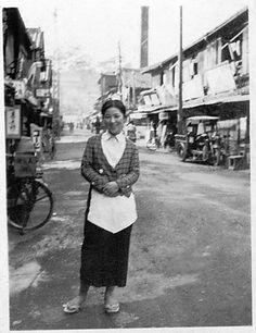 戦前・戦後のモノクロ写真を淡々と貼る(女性中心) : 流速VIP 昭和12年頃、お店の給仕さん