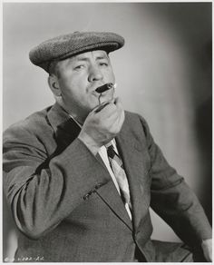A vintage press shot of comic legend Curly Howard, circa of Terry Soto The Three Stooges, The Stooges, Jessica Mendoza, Monochrome, Abbott And Costello, Classic Comedies, Classic Hollywood, Comedians, Actors & Actresses