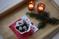 Traditional recipe for Danish Cocoa Oat Balls also known as Havregrynskugler. The recipe is super easy to make and loved by kids. Oatmeal Cream Pies, Oatmeal Pancakes, Oatmeal Chocolate Chip Cookies, Danish, Cocoa, Balls, Homemade, Table Decorations, Holiday Decor
