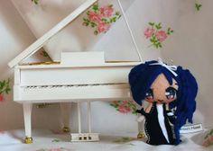 Viola, piccola fatina amante delle cose belle, le piace ricreare suoni dolci e limpidi.