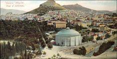Tο Πανόραμα «ΘΩΝ» και ο Ιλισσός, που περνούσε μπροστά από το Παναθηναϊκό Στάδιο. Η γέφυρα του Ιλισσού κατασκευάστηκε το 1873 –μέχρι τότε, το Παναθηναϊκό Στάδιο δεν «συνδεόταν» με το κέντρο της πόλης. Η φωτογραφία τραβήχτηκε το 1906. Το πανόραμα ΘΩΝ ανεγέρθηκε το 1895 και κατεδαφίστηκε το 1921. Φιλοξενούσε εικόνες από την Πολιορκία του Παρισιού του 1870, για ψυχαγωγικούς σκοπούς –αυτή η μορφή ψυχαγωγίας αργότερα αντικαταστάθηκε από την νεόκοπη τέχνη του κινηματογράφου.