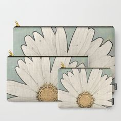 '1. Big White Daisy' Travel Pouch Set