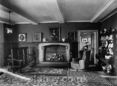 http://www.oldhay.co.uk/index_files/vlb_images1/castle_lounge.jpg