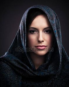 Linda mulher com lenço na cabeça — Stock Photo © luminastock #25247403