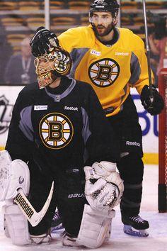 Tuukka Rask, Patrice Bergeron (Credit: the-destroia) might be the coolest helmet in the league. Boston Sports, Boston Red Sox, Boston Bruins Goalies, Patrice Bergeron, Hockey Boards, Nhl Wallpaper, Hockey Memes, Boston Strong, Hockey Players