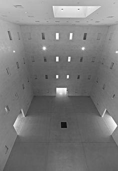 (Stuttgart municipal library) - Feeling empty inside. Repressed memories, hidden emotions, sexual dysfunction. Sterile attitudes, cold demeanor.