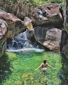 Águas cristalinas esperam por você no Espírito Santo! 😍😍 📍Poço do Egito, Iúna - Espírito Santo   Foto: @thaleswil