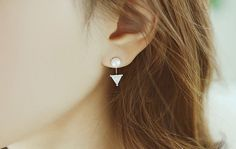 J207 / Matt Gold or Silver CZ Pearl / Arrow Stud by BeadsPool