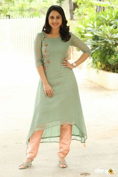 Simple Kurta Designs, Silk Kurti Designs, Salwar Designs, Kurta Designs Women, Kurti Designs Party Wear, Churidar Neck Designs, Sleeves Designs For Dresses, Dress Neck Designs, Blouse Designs