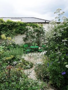 Back Garden Design, Love Garden, Dream Garden, Beach Gardens, Outdoor Gardens, Courtyard Gardens, Outdoor Rooms, Beautiful Gardens, Beautiful Flowers