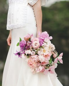 Shades of Pink - 24 Best Spring Wedding Bouquets