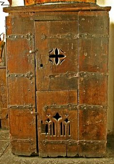 15th c cupboard. Bunratty Castle Medieval Collection