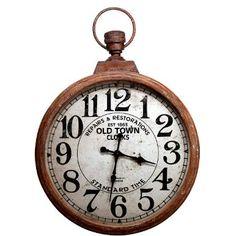 Während man dekorative Taschenuhren früher an der Kette mit sich herumführte, hängen sie jetzt im XXL-Format fest an Ihrer Wand: Die Old Town-Wanduhr im charmanten Vintage-Look bringt jede Minute und Stunde ganz groß raus. Batteriebetrieben, nur für den Innenbereich geeignet.