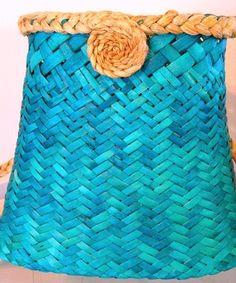 Coral sea ... Flax Weaving, Weaving Art, Basket Weaving, Hand Weaving, Recycled Magazines, Maori Designs, Bamboo Basket, Woven Baskets, Maori Art