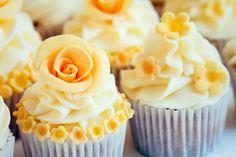cupcakes recetashttp://cosasdemujer.com/recetas-de-cupcakes-sencillas-y-originales/